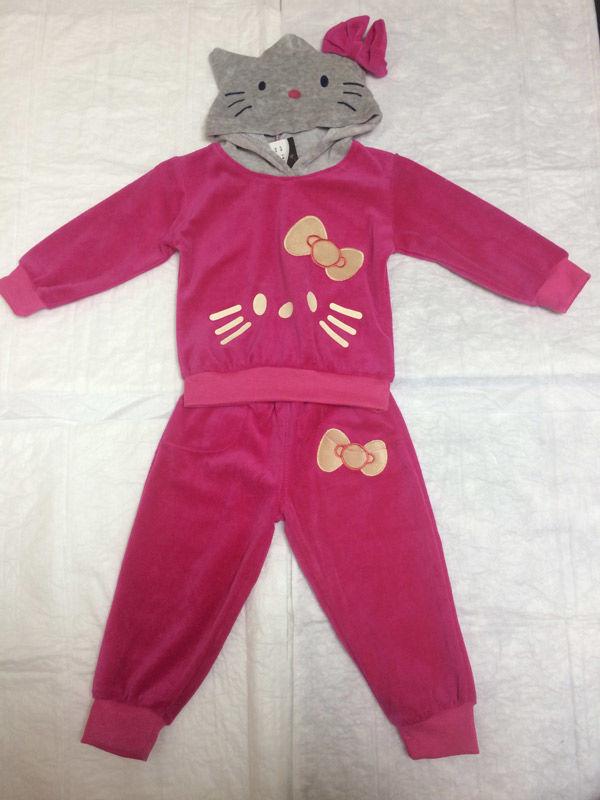 Розовый с Кошечкой спортивный костюм. Новый. От 1года до 3-4лет.