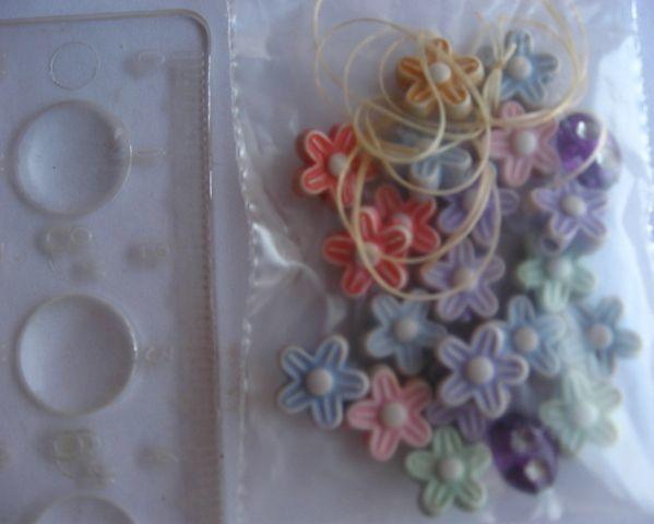 бусины цветочки пластиковые, резиночки, на браслет девочке, 0.15 грн