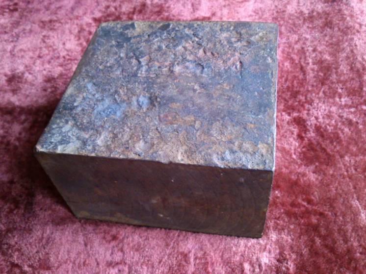 Наковальня 11.5х11.5х7см брусок железный куб станина