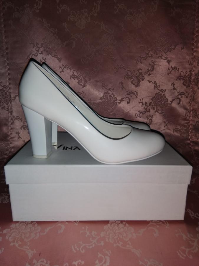 Свадебные туфли от Vina Vestina / 37 размер / белые / лаковые