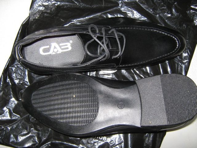 Туфли стильные классические для мужчин на 44 размер PU кожа.