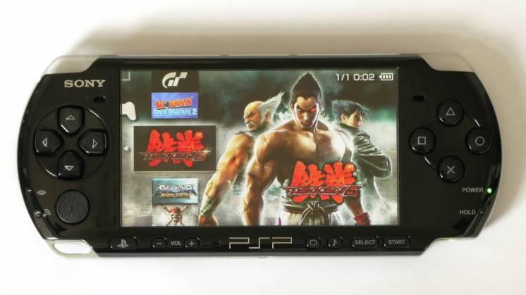 Портативная игровая приставка Sony PlayStation PSP3004 Wi-Fi, интернет