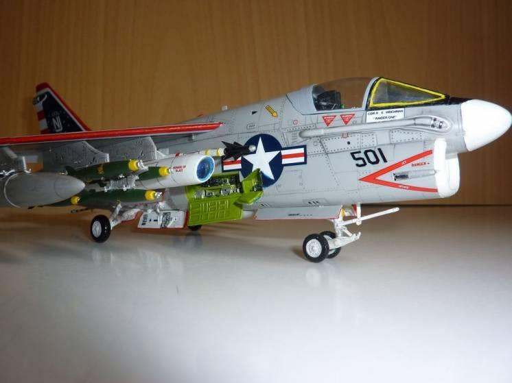 Модель самолёта А-7b