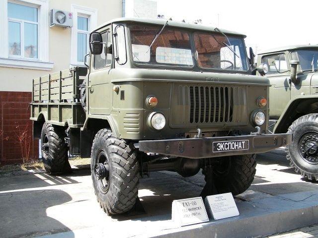 Лобовые, ветровые стекла для грузовиков ГАЗ 66