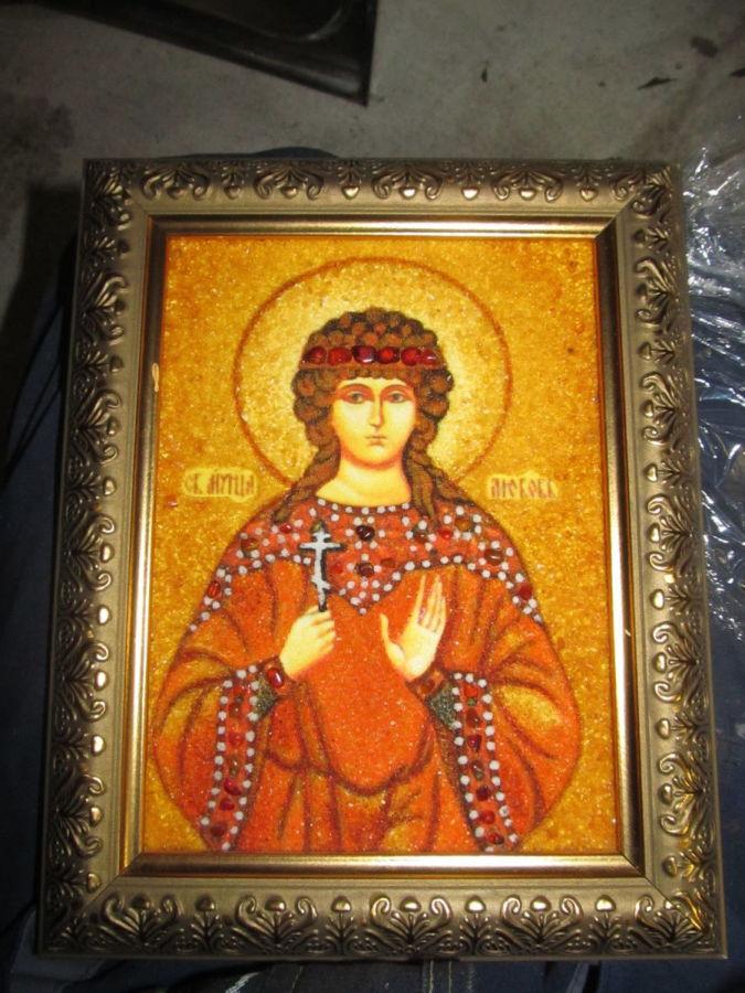 Икона св любовь из янтаря.