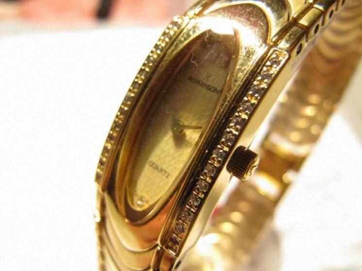 """Часы женские """"ROMANSON RM 1151QL"""", новые"""