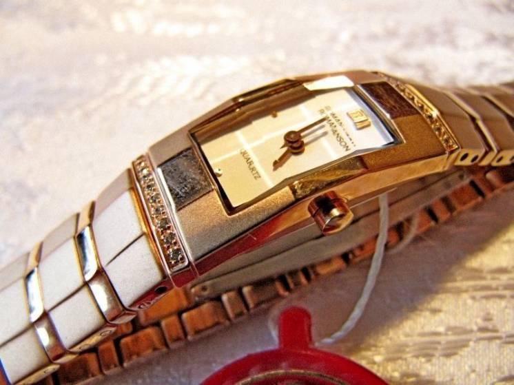 "Часы женские ""ROMANSON RM 1140QL"", новые,кварцевые"