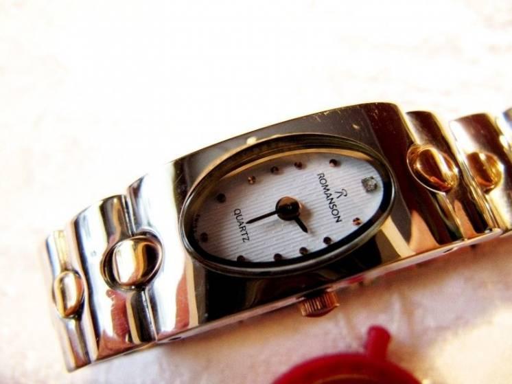 "Часы женские ""ROMANSON RM 0137L"", новые,кварцевые"