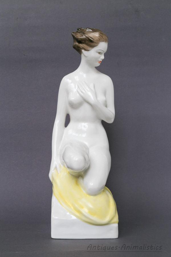 Фарфоровая статуэтка фарфор НЮ Hollohaza Венгрия
