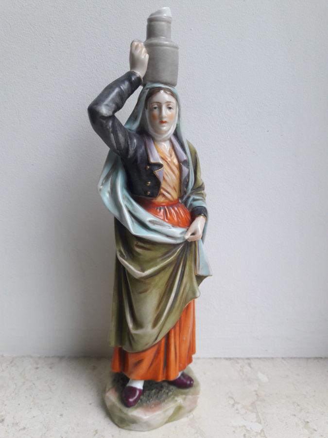 Фарфоровая статуэтка девушка с кувшином VOLKSTEDT - CHRISTIAN NONNE 17