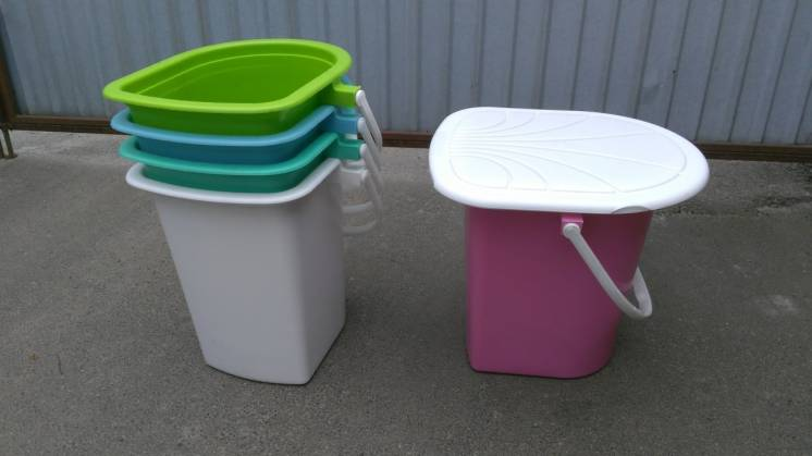 Ведро-туалет цветное