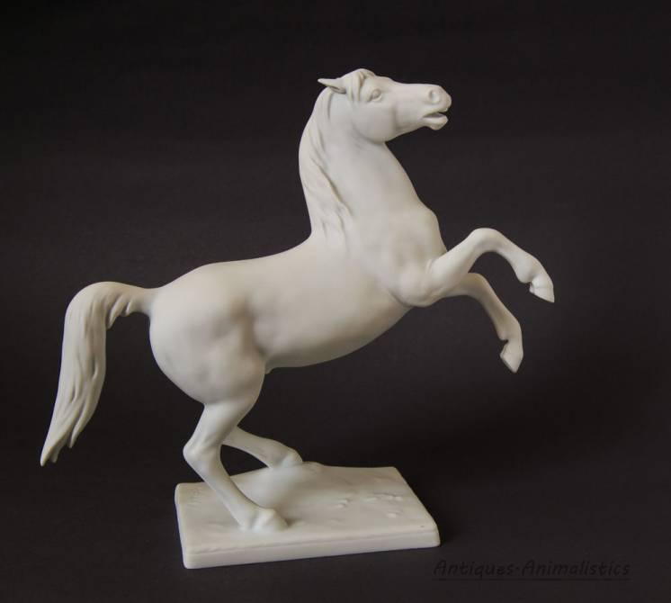 Фарфоровая статуэтка конь Kaiser германия