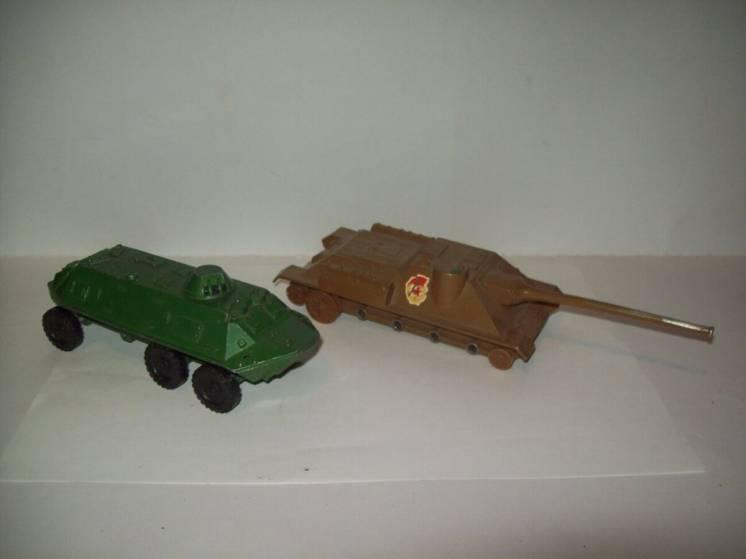 Модель СУ-100 БТР  металл  СССР  1:43  на запчасти