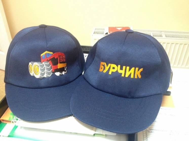 Нанесение логотипов на кепки: вышивка, сублимация,шелкотрафарет