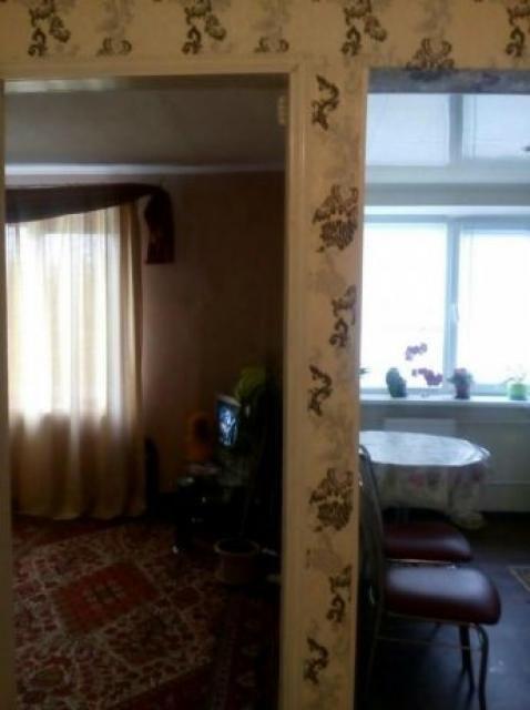 Срочно продам 2 комнатную гостинку