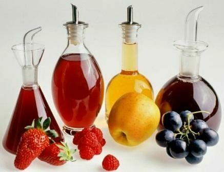 Домашний клубничный, виноградный, грушевый, яблочный уксуса.