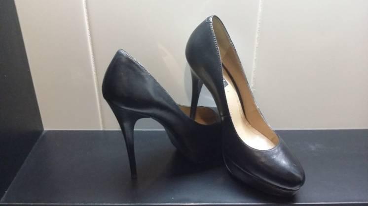 Элегантные туфли, черные кожаные,  р. 39-40