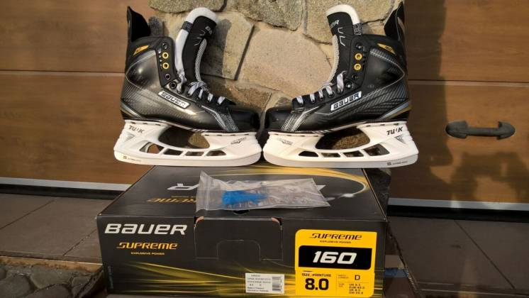 хоккейные коньки   новые  Bauer суприм 160 . размер 8D