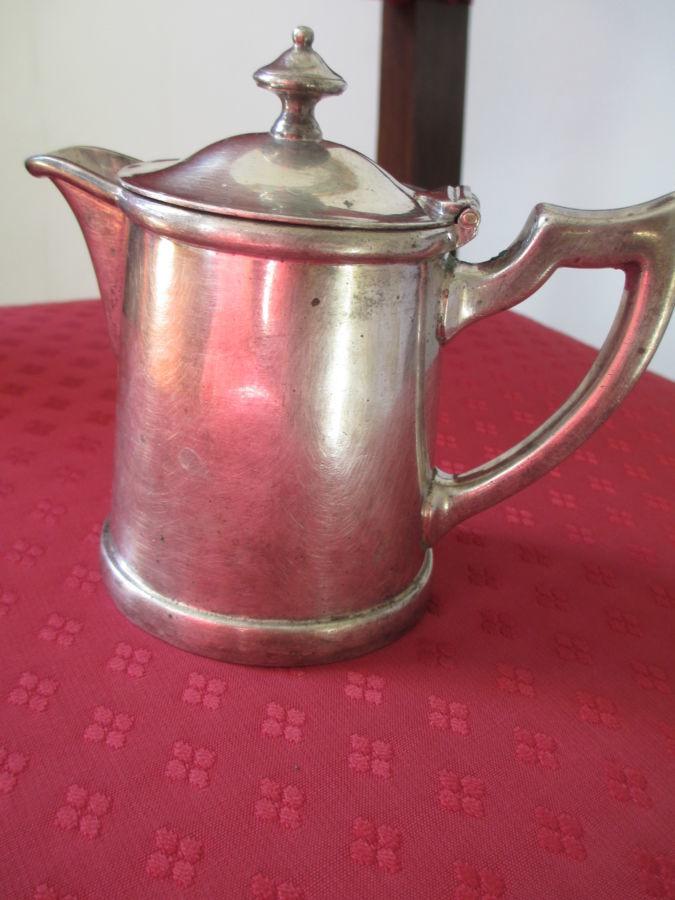 Антикварный кофейник Herrmann Patent. H-12 см., емкость- 225гр. Клейма