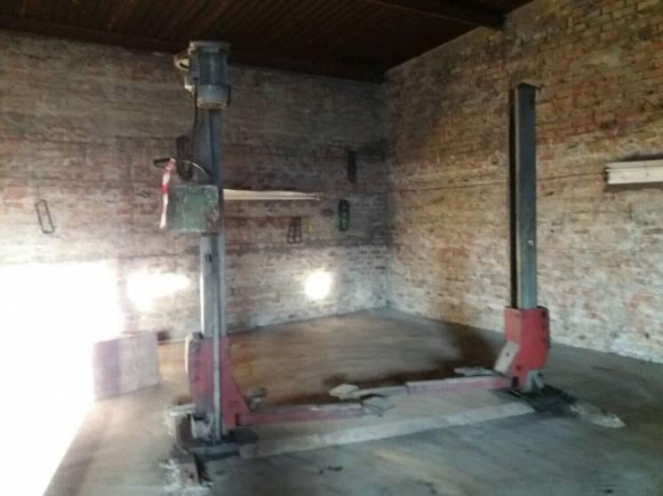 Автомобильный подьемник 2.5 тонн