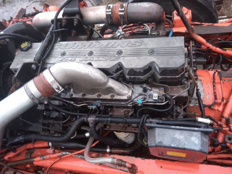 Двигун CUMMINS  Man F2000