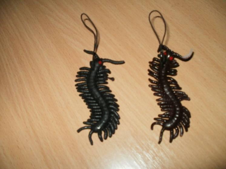Резиновое насекомое - сороконожка
