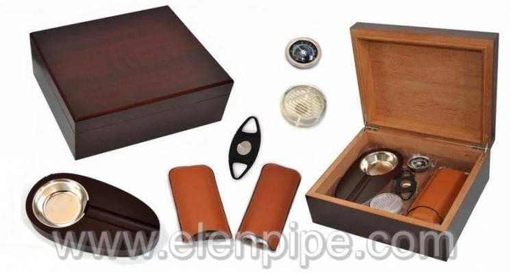 Хьюмидоры кедровые с набором: пепельница, гильотина, футляр для сигар