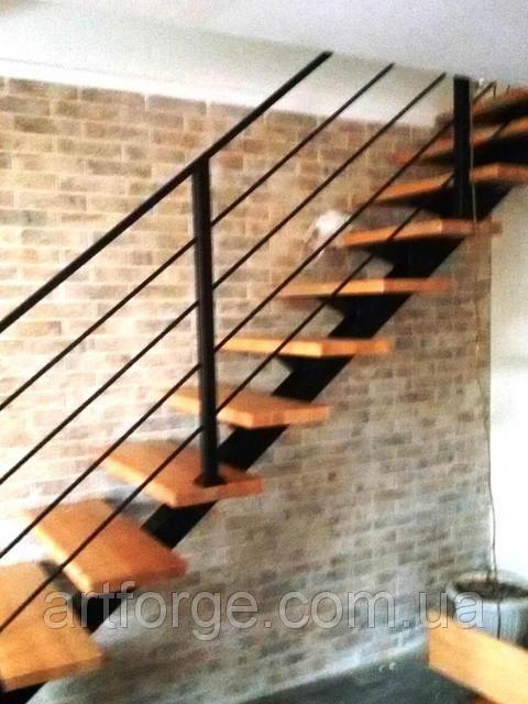 Каркас лестницы на центральном несущем монокосоуре