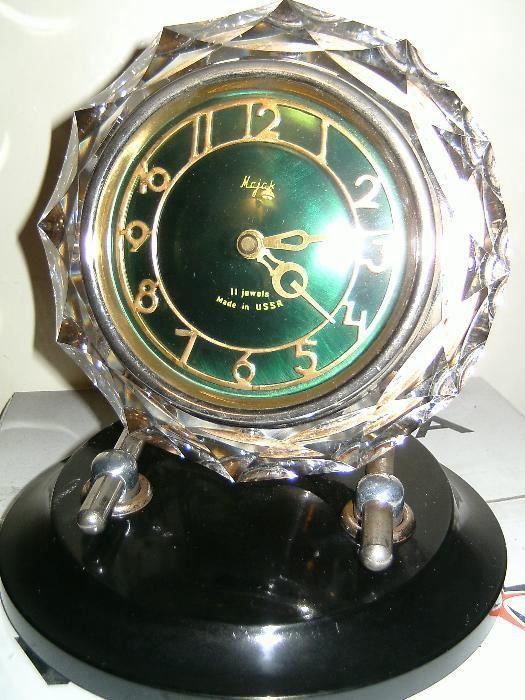 Настольные часы продам хронограф дорогие часы