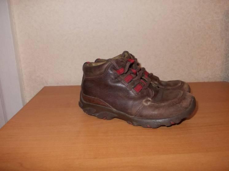 Продам демисезонные кожаные ботинки