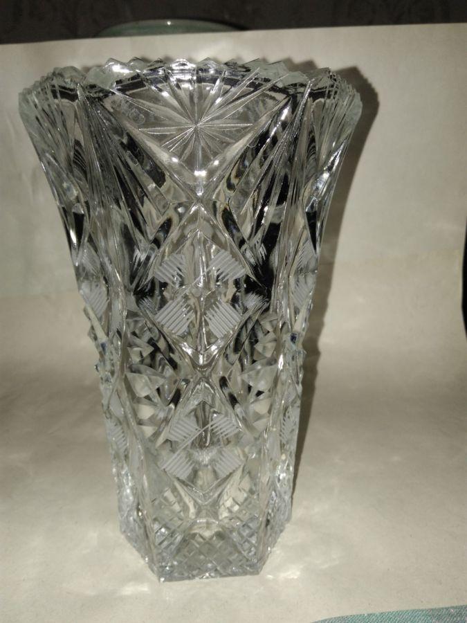 Чешская хрустальная ваза под цветы.
