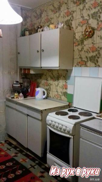 Сдам комнату в 3-ком. квартире для работающей девушки