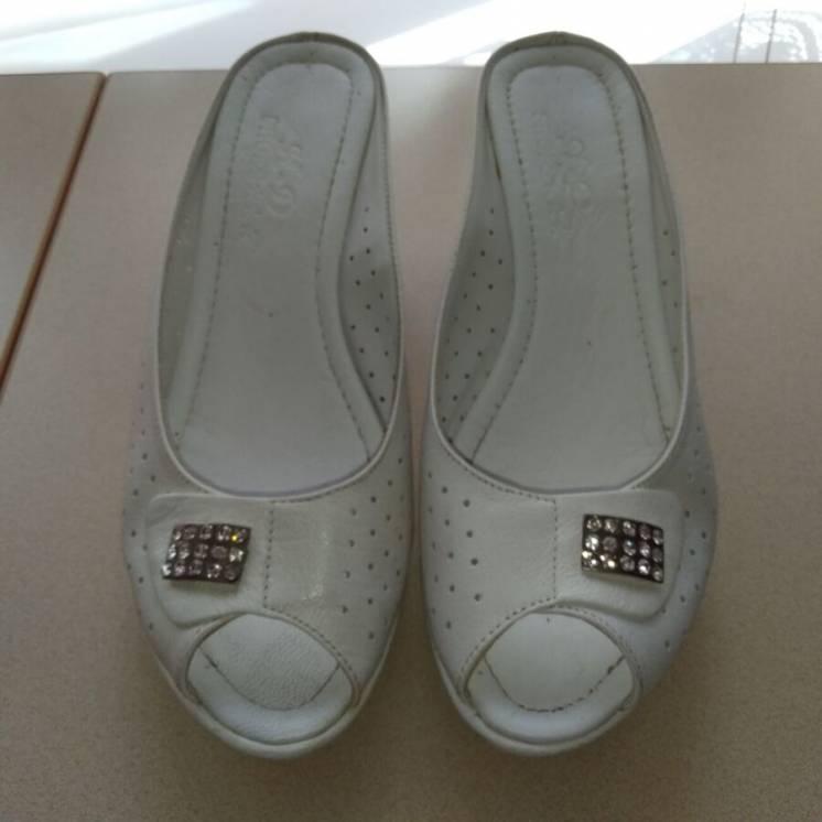 Босоножки. Туфли. Шикарные, кожаные, импортные. Размер 37. Новые.