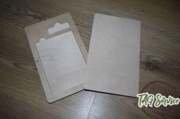Дерев'яна коробочка під фото і флешку