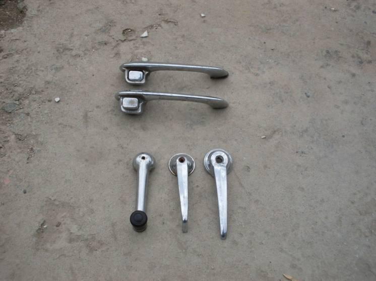 Продам  ручки дверные  на ГАЗ-21