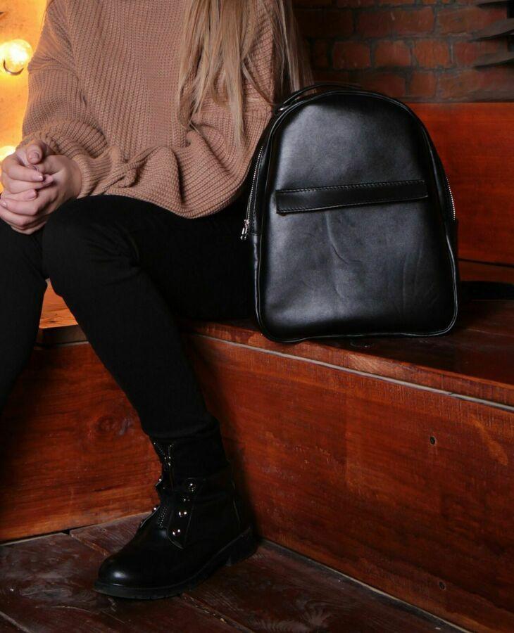 Стильный кожаный рюкзак