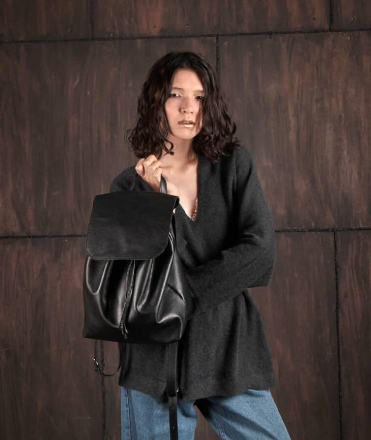 Стильный городской кожаный рюкзак