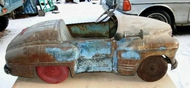 Куплю детскую четырех колесную педальную машину периода СССР