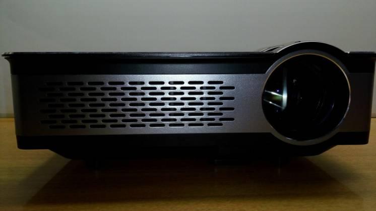 Продам новый Led проектор для домашнего кинотеатра Full Hd 1080
