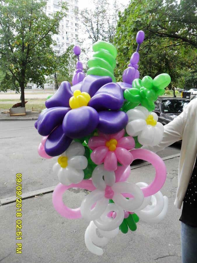 Букет из шаров огромный фиолетовый цветок