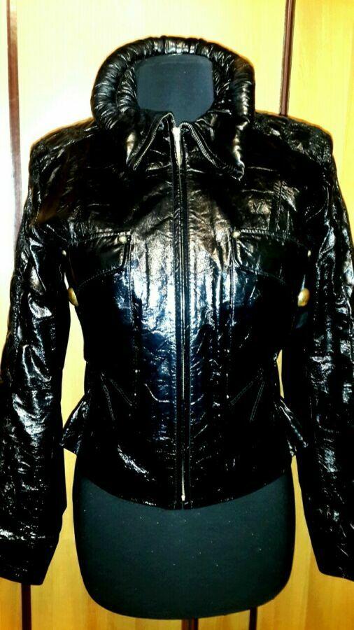 Продам кожаную курточку(италия)