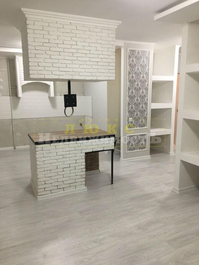 Продам однокомнатную квартиру Ильфа и Петрова / Костанди