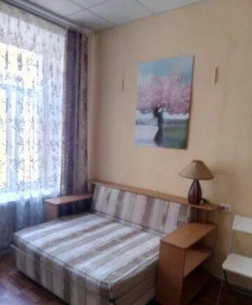 Отдельная комната в квартире для девушки! Без хозяев!