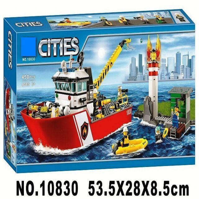 Конструктор 10830 Пожарный катер 450 деталей