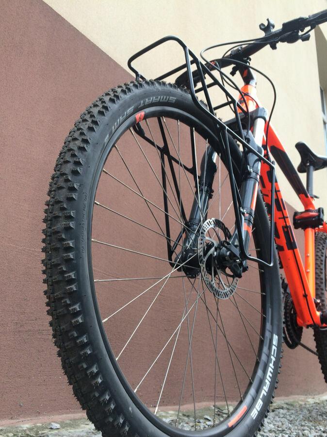Велобагажник. багажник на велосипед.