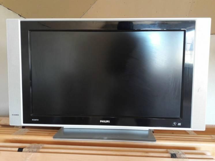 Продам телевизор б/у Philips