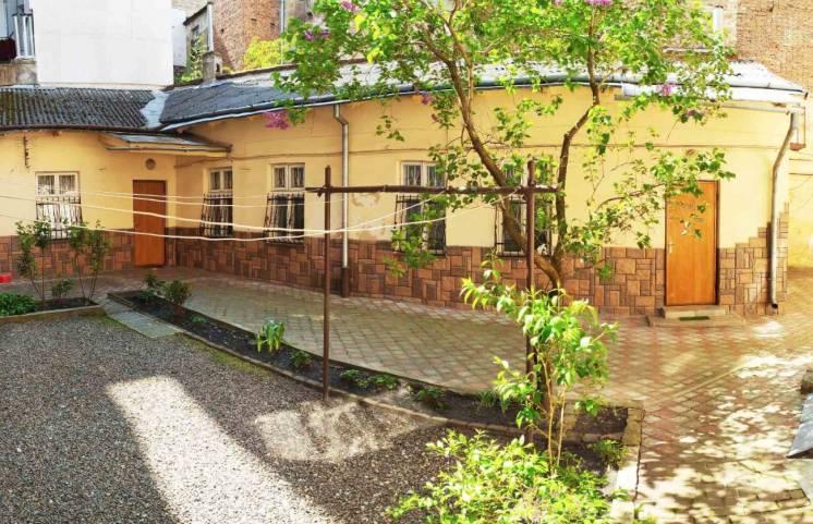 Продаж будинку в центрі міста (р-н пр. Шевченка)