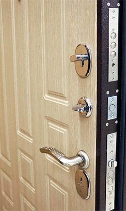Дверной Мастер: Установка Врезка Замена Ремонт дверных замков, ручек