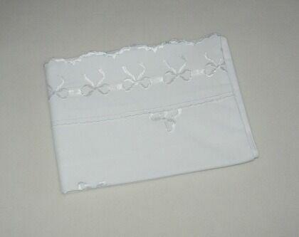 Очень красивая белая наволочка, вышивка, 50х70см
