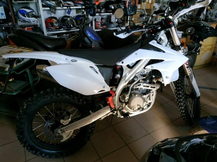 Мотоциклы торговой марки GEON и BENELLI